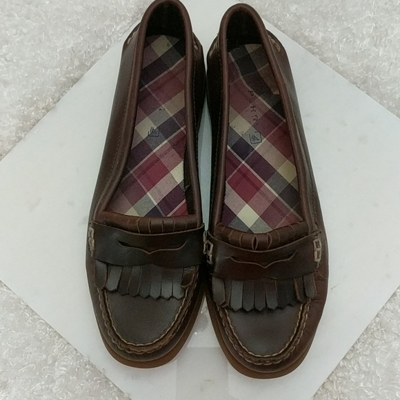 6229e915d47 Sperry Avery Leather Fringe Penny Loafer Shoes. M 5ab30aba9a9455834466eaf0